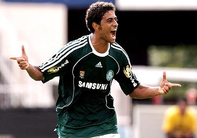 Palmeiras acerta contratação de Cleiton Xavier