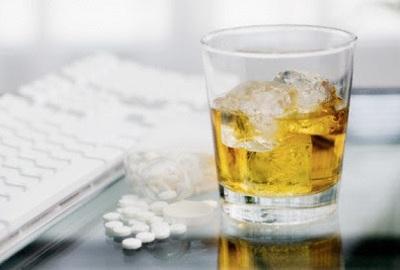 Combinação de álcool e medicamentos pode ser fatal