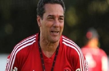 Derrota não preocupa Luxa;Flamengo à caminho da classificação