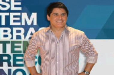 """""""Mal amado e mal resolvido"""", diz César Filho para colunista"""