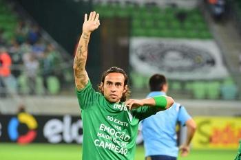 Além de renovação, Palmeiras tenta lidar agora com vaias a Valdivia
