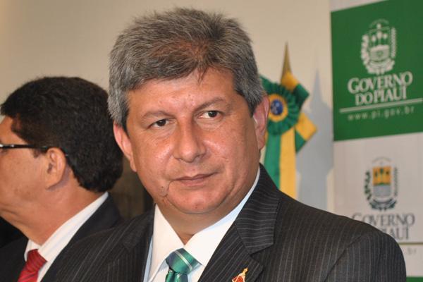 Zé Filho fala sobre perseguições do governo que fizeram as obras parar