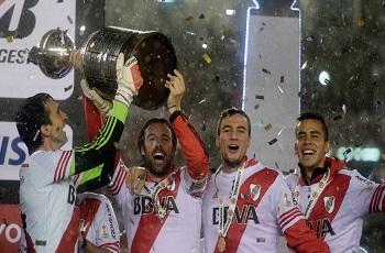River Plate domina o Tigres, faz 3 a 0 e é tri da Libertadores após 19 anos