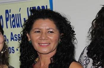 Professora alfineta prefeito e cobra política de acessibilidade para idosos e deficientes