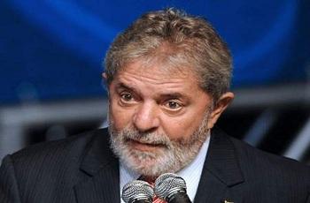 Delegado da Polícia Federal pede que Lula seja ouvido na Lava Jato