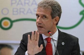 Em conversa fria, Dilma Rousseff demite ministro da Saúde pelo telefone