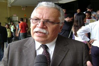 Tribunal de Contas da União aplica multa ao ex-secretário Antonio José Medeiros