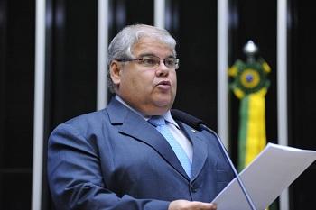Ala rebelde acusa ministro do PMDB de boicotar grupo