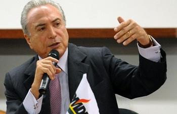 Senadores do PMDB dizem que Temer 'estará pronto' para assumir Presidência