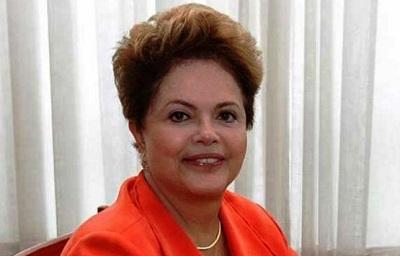 TSE nega multar Dilma por conversa com internautas