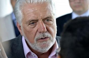 DEM e PPS querem convocar Jaques Wagner para CPI dos Fundos de Pensão