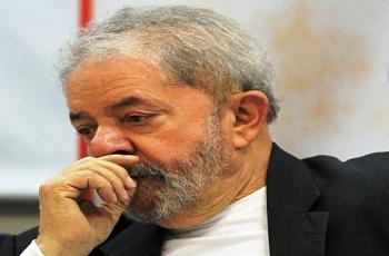 Lula enriqueceu à custa do petrolão, afirma o Ministério Público