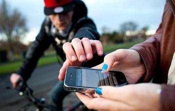 Consumidor pode pedir bloqueio de celular roubado informando número da linha