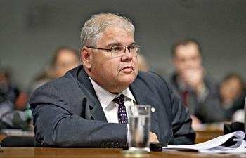 PMDB discute expulsão de quem se recusar a desembarcar do governo Dilma