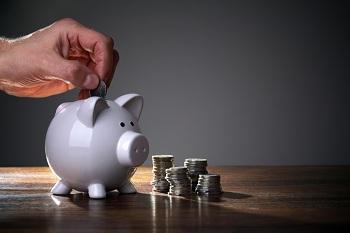 Fuga de recursos da poupança diminui pelo segundo mês seguido