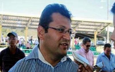 Prefeito de Pedro Laurentino é acusado de não cumprir acordos de transporte escolar
