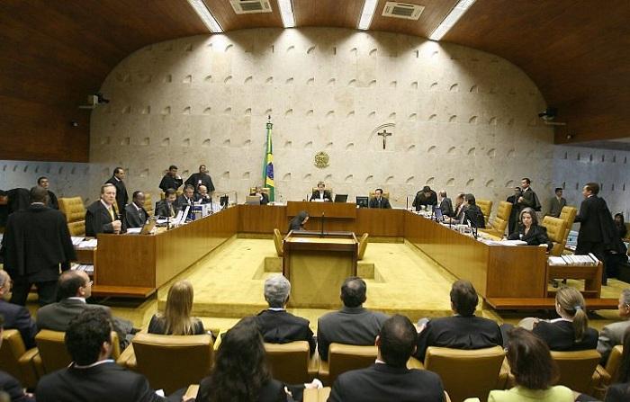 Maioria no STF vota para que réus saiam da linha sucessória da Presidência; decisão final é adiada