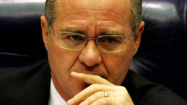 Lava-Jato rastreia dinheiro para senadores do PMDB