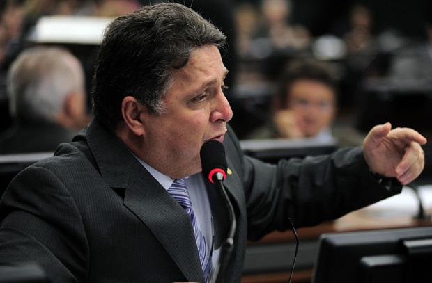 Procuradoria diz que Garotinho ofereceu suborno para não ser preso; defesa nega