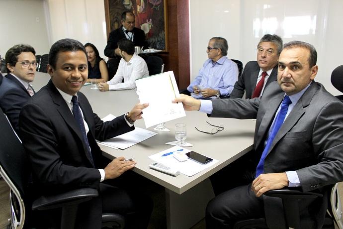 TJ-PI e SESAPI firmam parceria que reduz em 70% ações na Justiça em busca de remédios