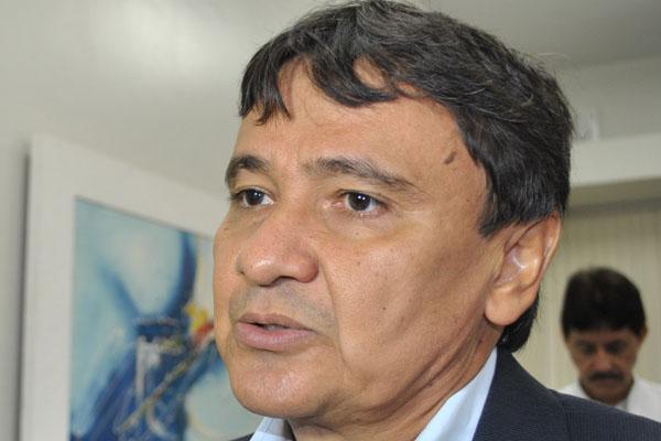PEC do regime fiscal proíbe aumento salarial e concurso público no Piauí por dez anos