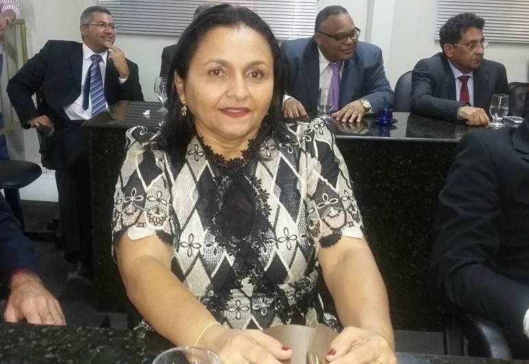 Reviravolta impõe derrota a Dr. Lolota e Nívia Nunes se elege presidente da Câmara de SJP