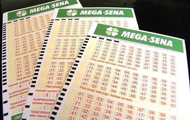 Seis apostas acertam Mega da Virada; veja para onde vai o prêmio de R$ 220 milhões
