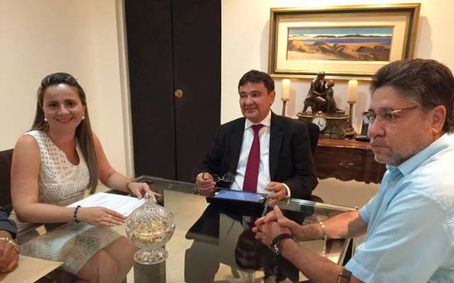 Prefeita Gabriela diz ter herdado débito do FGTS e irregularidade no INSS do munícipio