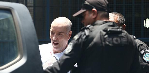 De cabeça raspada, Eike Batista é transferido para Bangu