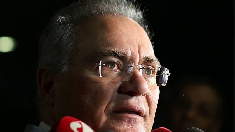 Renan volta a atacar reformas e chama governo Temer de