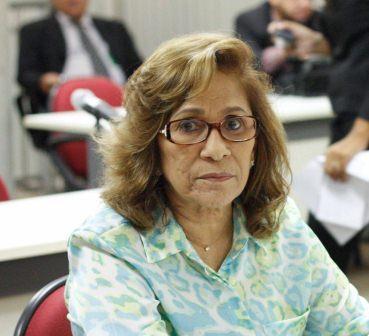 Amparo Landim declara apoio ao presidenciável Aécio Neves