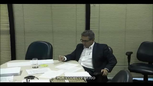 Diretor da JBS cita repasse de R$ 15 milhões para Temer; presidente nega