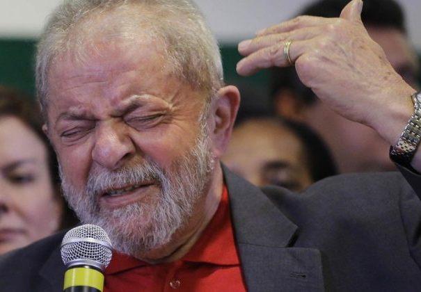 "Lula pede renuncia de Temer e Diretas Já: ""saia logo"""