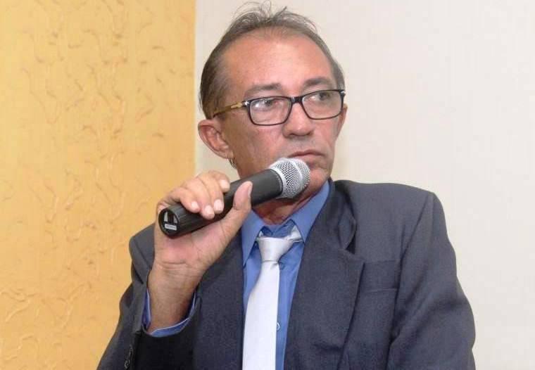 Zé Guinguirro reassume mandato e diz que existe uma investigação em curso contra o prefeito
