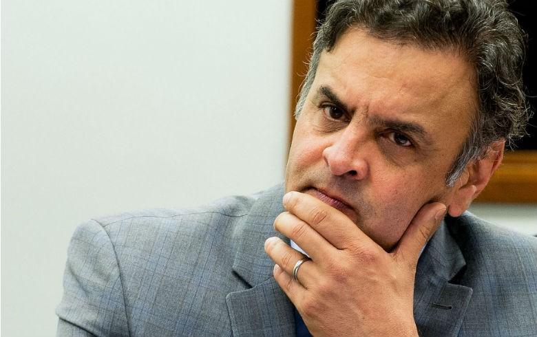 Aécio vai recorrer ao STF para recuperar cargo de senador