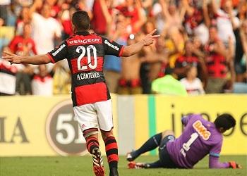 Cruzeiro vive tarde de trapalhadas no Maracanã, Flamengo não perdoa e faz 3 a 0