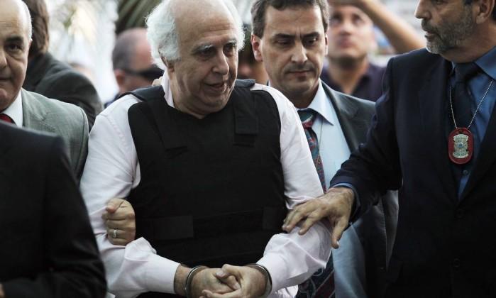 Médico Roger Abdelmassih volta para cadeia por determinação da Justiça paulista
