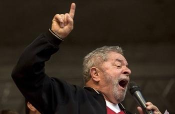 Juiz Sérgio Moro condena Lula a 9 anos e seis meses de prisão