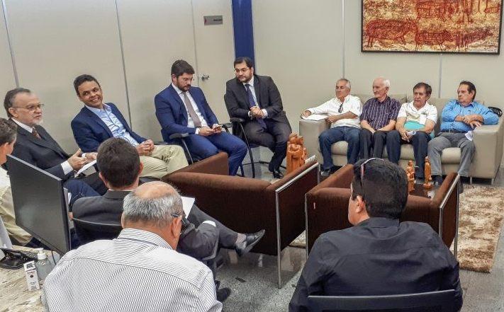 Prefeitos vão ao TCE-PI discutir desbloqueio e aplicação de precatórios do Fundef