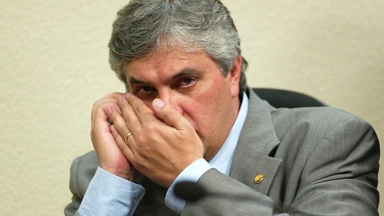 Procuradoria diz que Delcídio mentiu em delação e pede absolvição de Lula