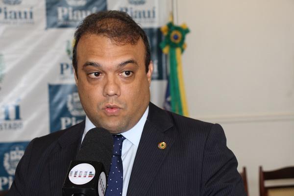 TCE-PI cobra de  Ziza R$ 229 mil pagos para empresa de Viviane Moura