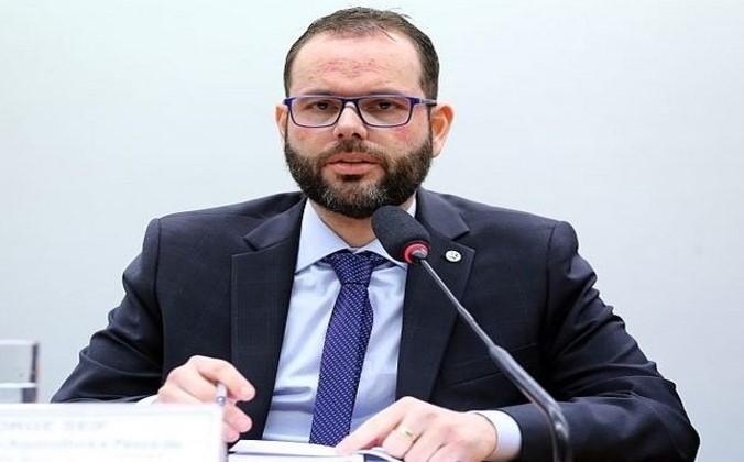 Seguro-defeso se transformou em 'moeda de troca para votos', diz Seif