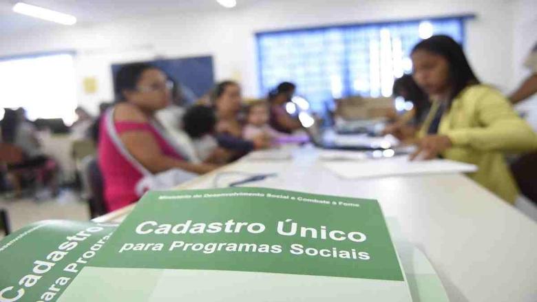 Atualização do CadÚnico será necessária para receber Auxílio Brasil
