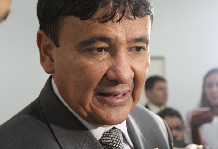 Governador precisa de R$ 180 milhões para não atrasar salários de servidores públicos estaduais