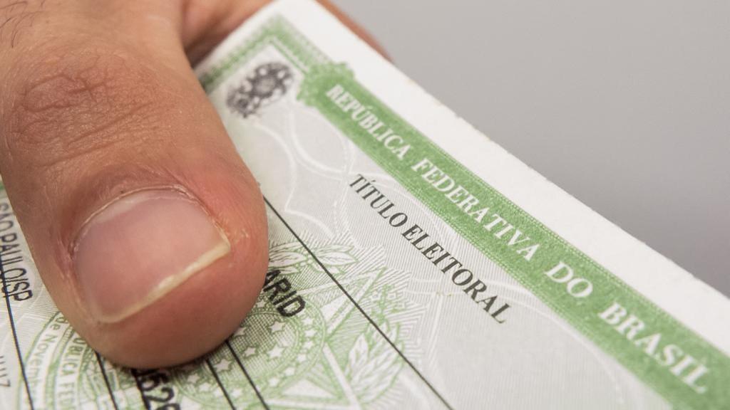 Um eleitor com 52 títulos: biometria do TSE acha 25 mil títulos de eleitor duplicados