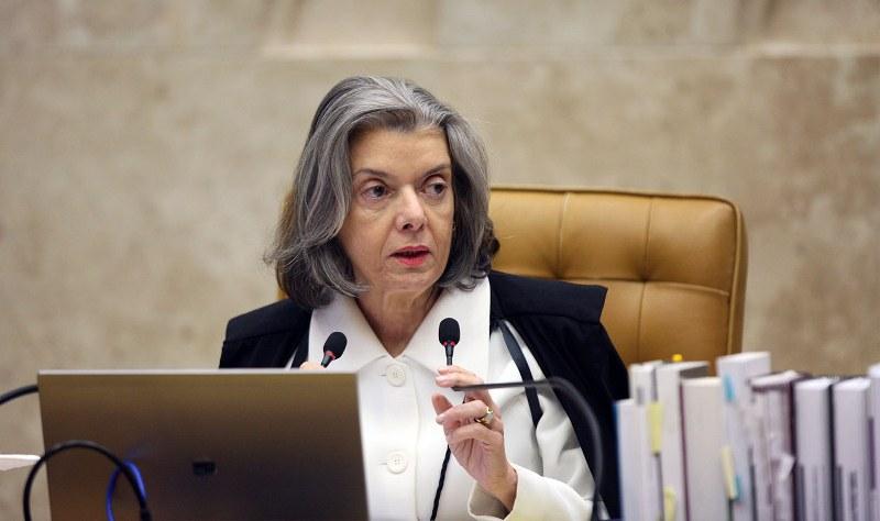 Por 6 votos a 5, STF define que afastamento de parlamentar precisa de aval do Congresso