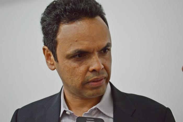 TCE-PI faz cobrança de multa ao prefeito Gil Carlos Modesto