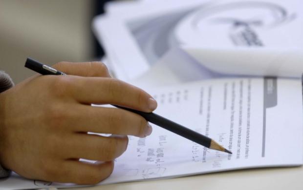 Maioria dos candidatos do Enem 2017 tem mais de 20 anos, diz INEP