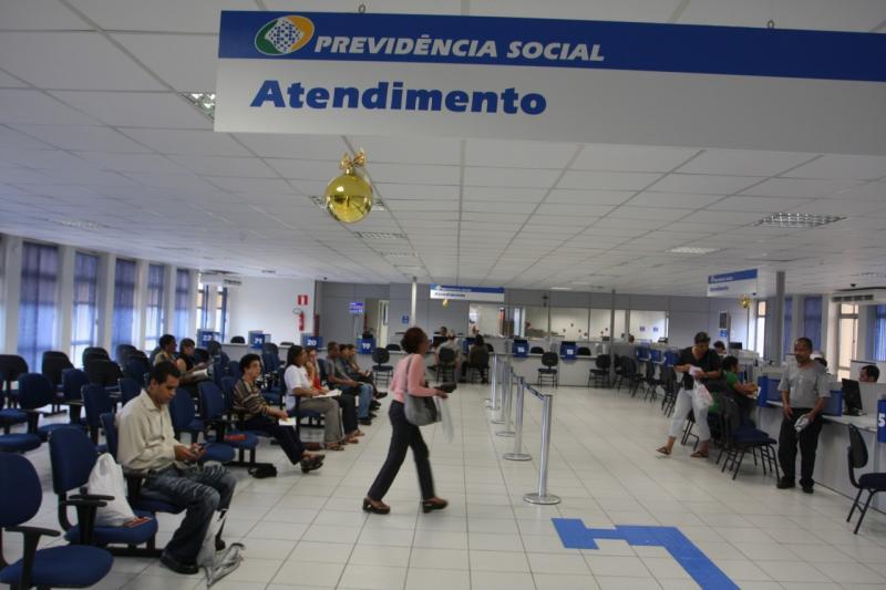 Atestado particular tem legitimidade para restabelecer benefício do INSS