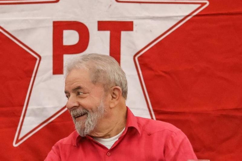 Lula diz que mercado promove 'terrorismo' contra a sua candidatura